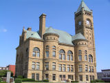 Blackford County Courthouse, Hartford City, Indiana - Side view