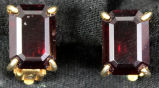 Earrings - Square garnet